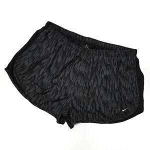 Nike Dri Fit black print sport shorts 3X